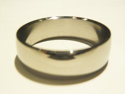 角度を変えたシンプルステンレスリング6mmの画像